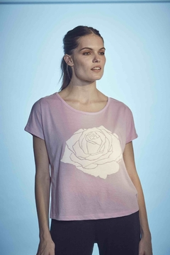 REMERA ROSE en internet