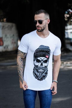 Camiseta Long Line Skull With Cap na internet
