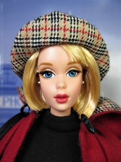 Burberry Blue Label Barbie doll na internet