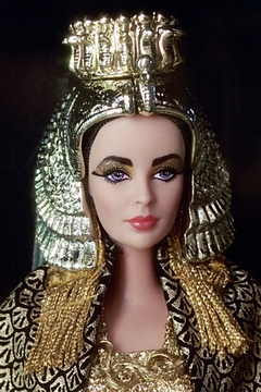 Elizabeth Taylor in Cleopatra Barbie doll na internet