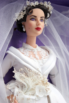 Elizabeth Taylor in Father of the Bride Barbie doll na internet