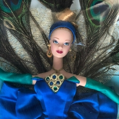 The Peacock Barbie doll na internet