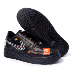 Tênis Nike Air Force 1 Just do It na internet