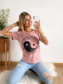 Remera estampada Ying Yang en internet
