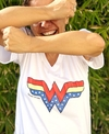 Remera escote V Wonder Woman