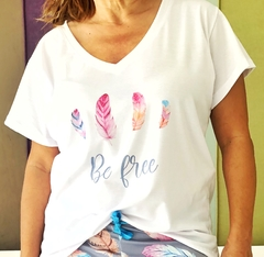 Remera escote V Be free