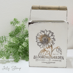 J317 - Blooming garden en internet