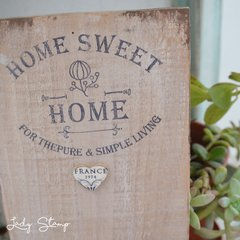 V620 - Home sweet home - Lady Stamp
