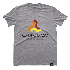 Camiseta Campo Base Cinza | Nos Alpes