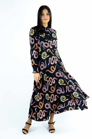 vestido-cropped-manga-longa-estampado-preto-cobras-coloridas-farm-look