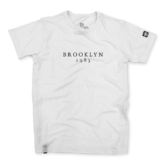 Camiseta Masculina Brooklyn 1983 na internet