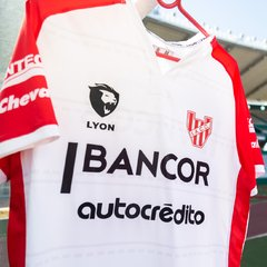 CAMISETA ALTERNATIVA DE INSTITUTO BLANCA LYON - comprar online