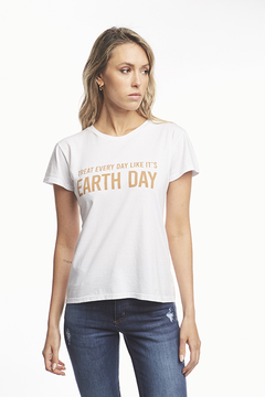 REMERA EARTH DAY - comprar online