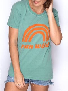 Camiseta Feminina Run Wild - Up The Mountain