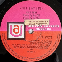 LP Shirley Bassey - This Is My Life - BOLACHÃO DISCOS