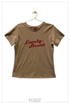REMERA LOVELY HEART - Peuque