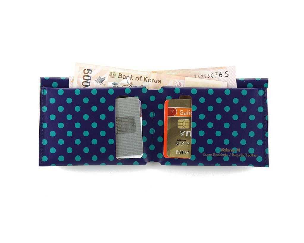 M Wallet Dots Green