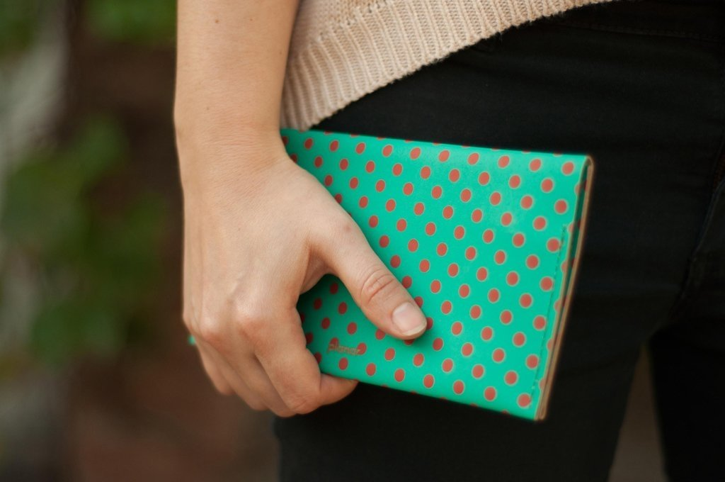 L Wallet Dots Red