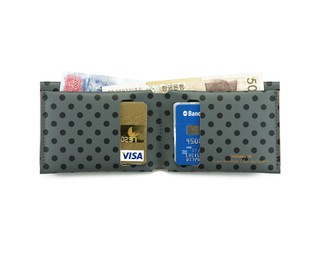 M Wallet Dots Black