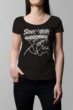 Remera Sonic Youth confusion is sex negra mujer