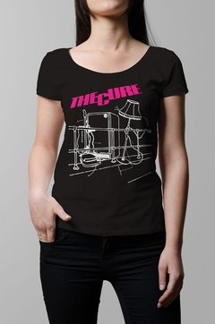 Remera The Cure Pill box tales negra mujer