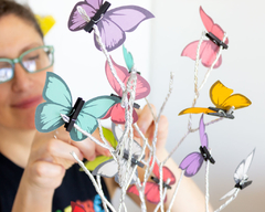 Mariposas en flor Wld Flowers con florero - At last! Crafts Iluminación