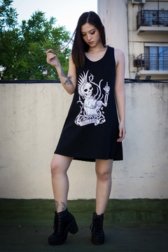 vestido musculosa negra con estampa feminista punk we can do it hasta talle grande plus size