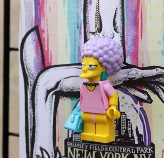 Imagem do Colar - Patty Bouvier / Simpsons Lego