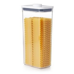 Tarro hermético rectangular. apilable Pop marca OXO de 3,5L. en internet