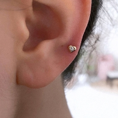 TINY LITTLE CUTE HEART STUD (X1)