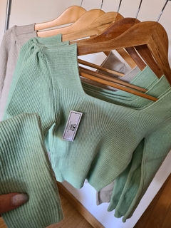 Sweater Top Amy Escote Cuadrado - coramari