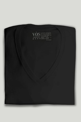 Remera de algodón cuello en V - Vos - Everyday Basics