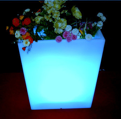 Macetereo Rectangular LED en internet