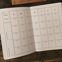 monthly planner vincent cousteau interior grilla cuadricula