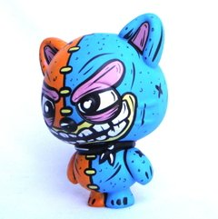 Zombie Cat Art Toy en internet