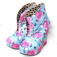 Riot Grrrl Booties en internet