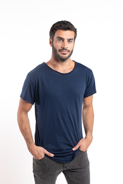 Remera Long Fit Azul Marino en internet