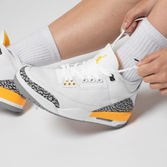 "Imagen de Wmn's Air Jordan Retro 3 ""Laser Orange"""