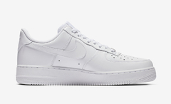 Wmn's Nike Air Force 1 White On White en internet