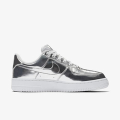 Nike Wmns Air Force 1 SP Metallic Chrome Silver en internet