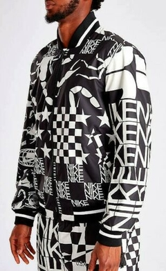 NIKE SPORTSWEAR ALLOVER PRINT JACKET SCORPION en internet