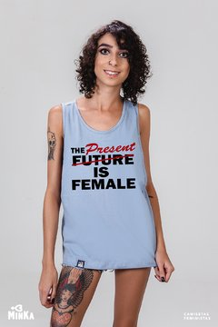 Camiseta The Present is Female - MinKa Camisetas Feministas