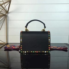 Imagem do Guitar Rockstud Rolling small Cross Valentino