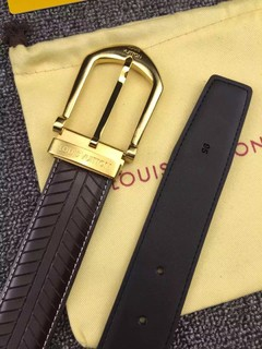 Cinto Louis Vuitton Riveted 35MM - comprar online