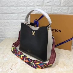 Bolsa Louis Vuitton na internet