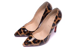 Pump Louboutin So Kate 10cm - 299 na internet