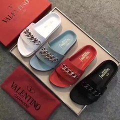 Valentino Sandal With Woven Motif - 304 na internet