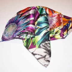 PAÑUELO AVE DEL PARAISO - VALISSE · 100% SILK SCARVES · A PIECE OF ART ·