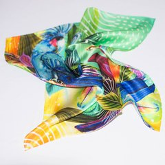 PAÑUELO CACATÚA AZUL - VALISSE · 100% SILK SCARVES · A PIECE OF ART ·