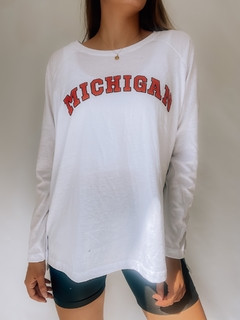 REMERA MICHIGAN RANGLAN MANGA LARGA - comprar online